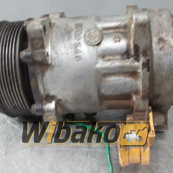 Air conditioning compressor Liebherr SD7H15 1039101334