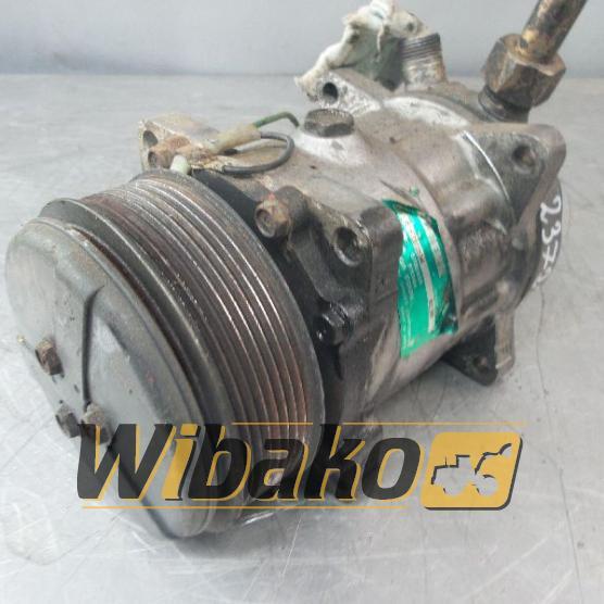 Air conditioning compressor Liebherr SD7H15 1805710234