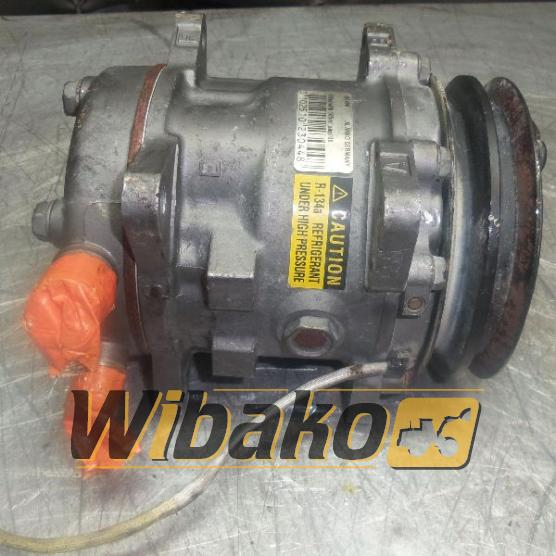Air conditioning compressor Sanden R134A 551404