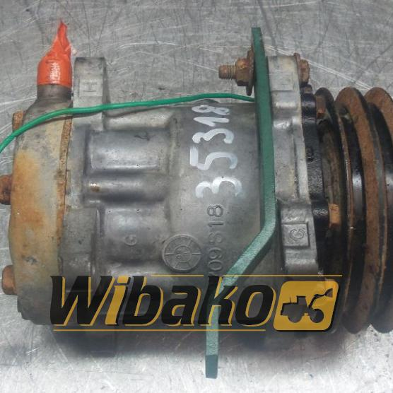 Air conditioning compressor Volvo B709S18