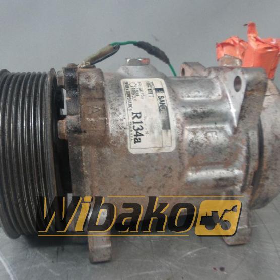 Air conditioning compressor Sanden R134A 001947305970
