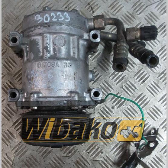 Air conditioning compressor Liebherr D934/D936 10012488