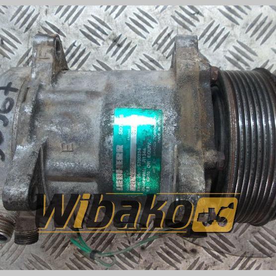 Air conditioning compressor Liebherr SD7H15 2174602234