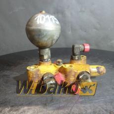 Control valve Komatsu D65EX-12
