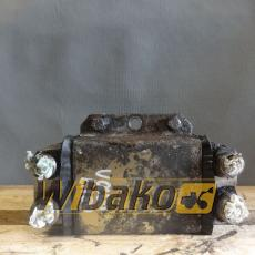 Oil radiator Volvo L180