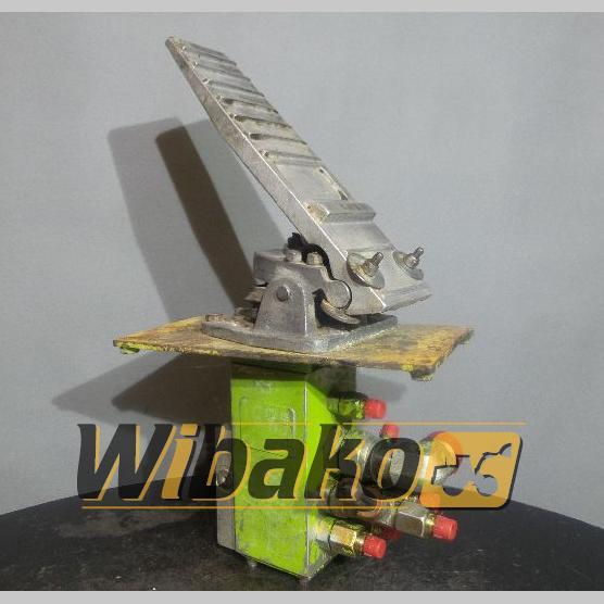 Pedal Terex 4066C