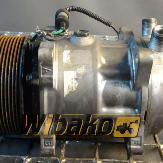 Air conditioning compressor Sanden
