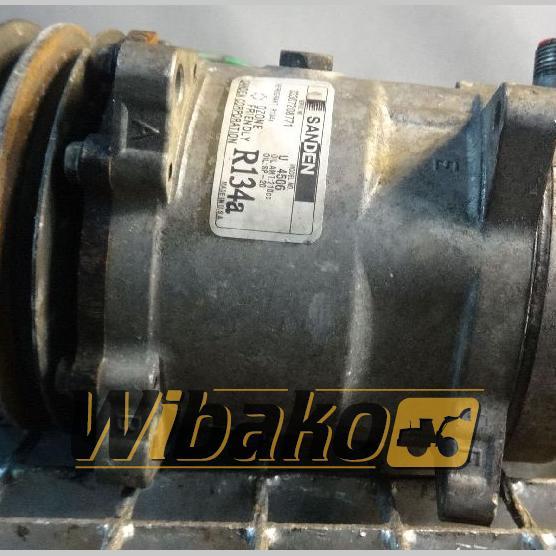 Air conditioning compressor Sanden U4506 03307207771