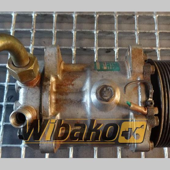 Air conditioning compressor Liebherr 8139 1358204334